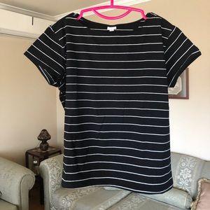 Tops - Women tshirt new size L